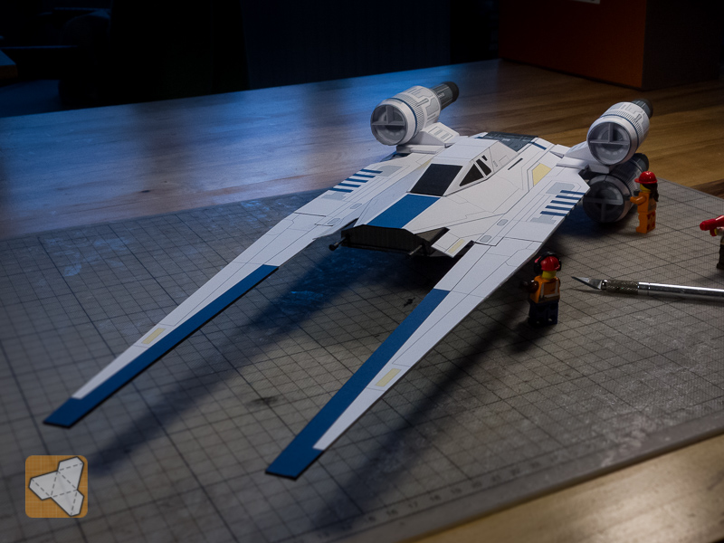 U-Wing paper model with LEGO minifigs