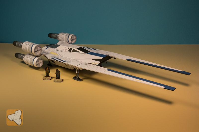 U-Wing paper model for gaming
